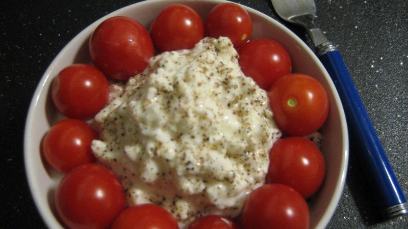 Foto: Käse und Tomaten - regan76 | Flickr | CC BY 2.0