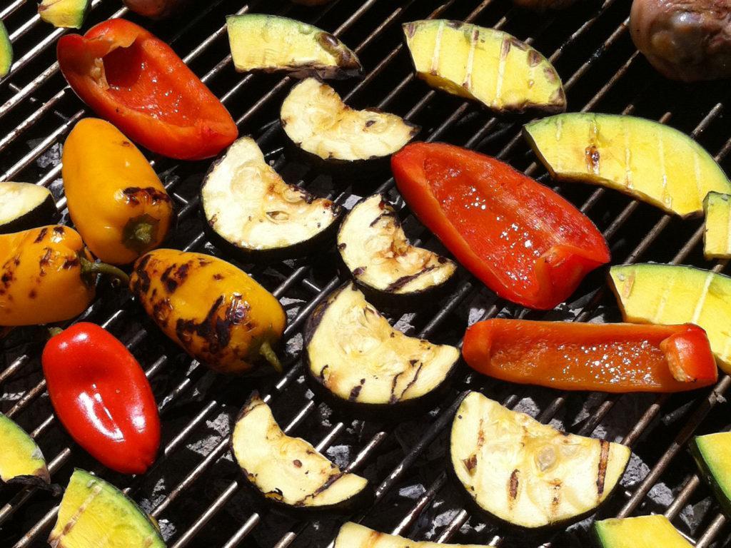 vegetarisch grillen - Foto: Corrie Barkliemore | Flickr | CC BY-SA 2.0